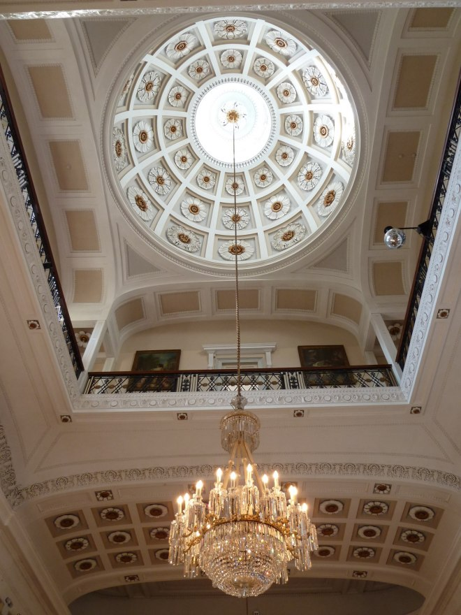 Dome and chandelier by Rob Rimell, Wikimedia Commons